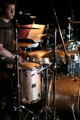 Guillaume G behind the kit